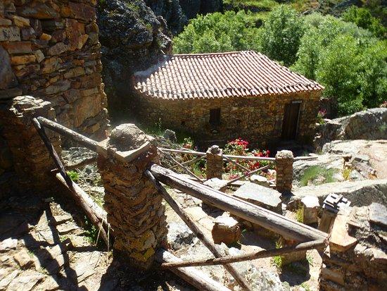 Penha Garcia, Portugal: Old stone houses