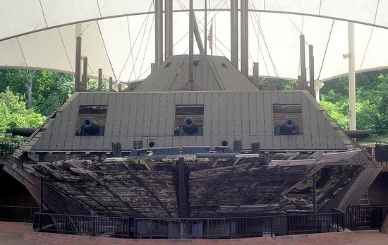 U.S.S. Cairo Museum: looking straight at the monster