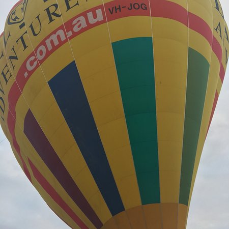 Ảnh về Barossa Valley Hot Air Balloon Ride with Breakfast