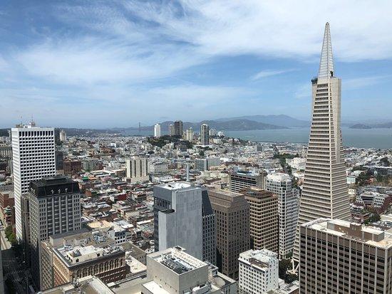 Loews Regency San Francisco: One window view from bridge to bridge room