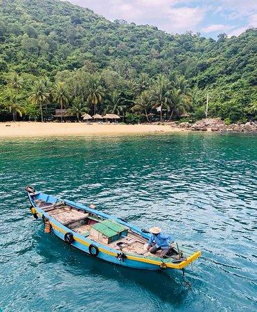 Cham Island Diving: Beach