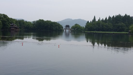 Dam Su