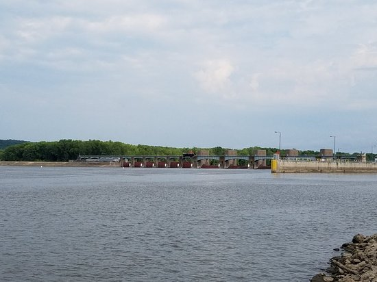 Lock and Dam No. 10
