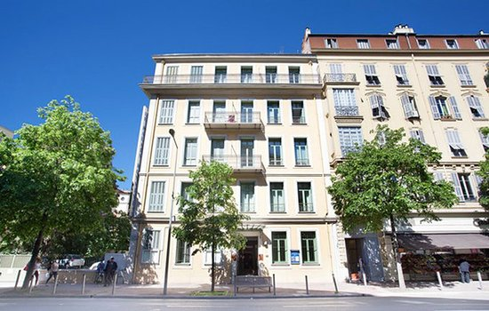 Appart 39 h tel odalys palais rossini nice france voir for Appart hotel 78