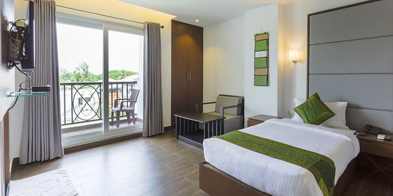 Super Treebo Trend Crown Suites Kochi Cochin Kerala Hotel Beutiful Home Inspiration Ommitmahrainfo