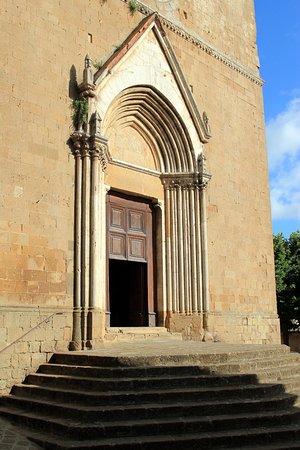 Pieve dei Santi Leonardo e Cristoforo: esterno
