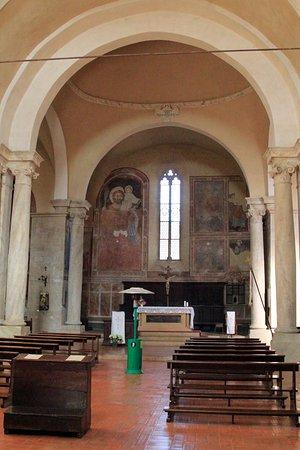Pieve dei Santi Leonardo e Cristoforo: interno della pieve