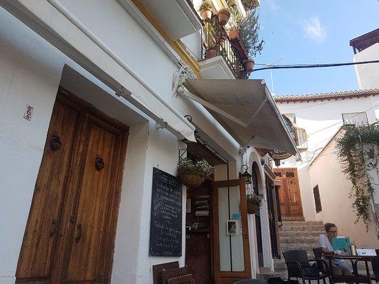 Cafe 4 Gatos: TA_IMG_20180611_092539_large.jpg