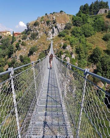 Laviano, Italy: Ponte Tibetano