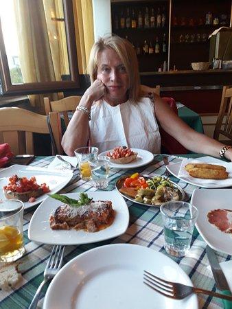 Taverna Verde: Bucatino con sugo di coniglio
