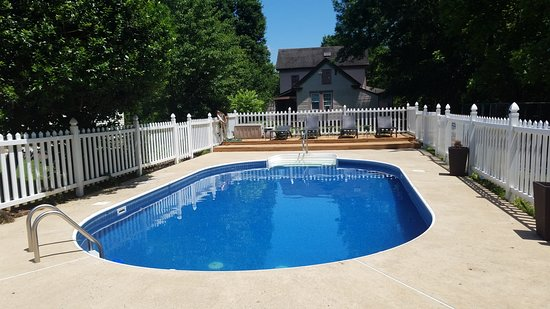 New Church, VA: Pool and Deck Chairs