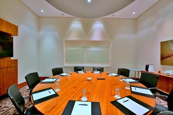 Central One Restaurant: Radisson Blu Gautrain   Platform 2 In Round  Boardroom Table Setup