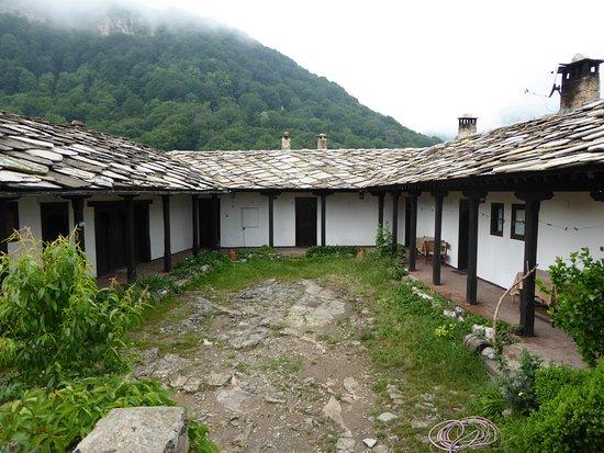 Ribaritsa, Bulgarien: Glozhene Monastery