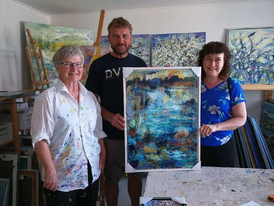 Langeland, Dinamarca: The artist: Birthe Marie Fyrst and 2 happy customers