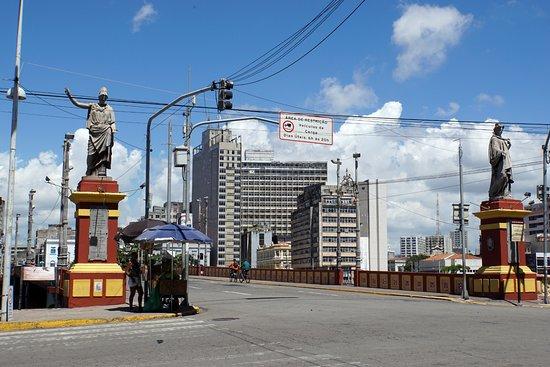 Mauricio de Nassau Bridge