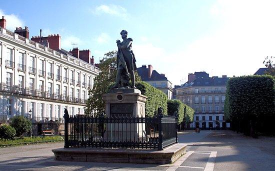 Statue Général Cambronne