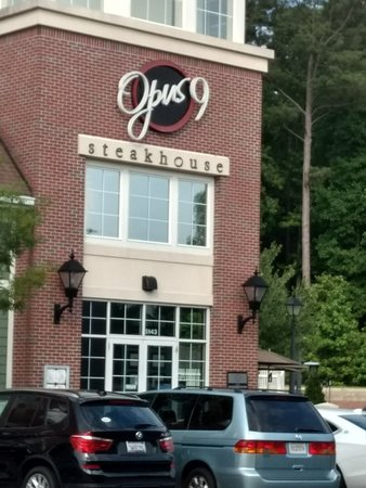 Opus 9 Steakhouse: Wonderful restaurant for special occasions.