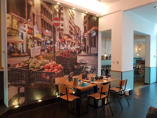 Foto Op Wand.By Roots Restaurant En Op De Wand Picture Of By Roots