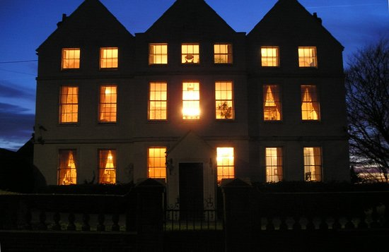 Chelwood House at night