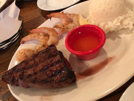 Lone Star Steakhouse & Saloon: ステーキとシュリンプといった組み合わせもあります