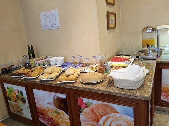 Hotel Dauro Granada: 20180610_084956_large.jpg