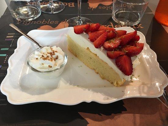 Villabordoh: Gateau mascarpone fraises d'un producteur à saint Laurent du médoc