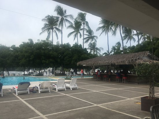 Puerto Azul Boutique Resort & Marina: Pool view from dining area.