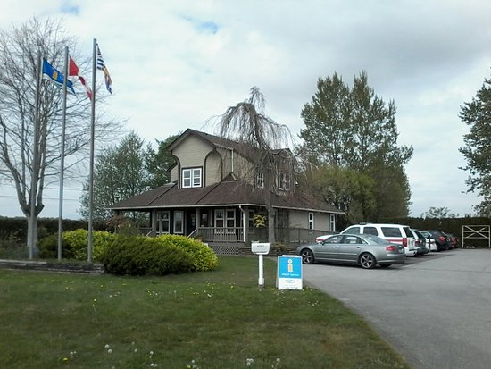 Delta Chamber of Commerce and Visitor Centre: Come visit the Delta Visitor Centre for plenty of information on Delta and British Columbia.