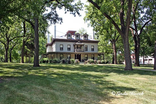 Independence, MO: Only a part of the beauty you'll see when visiting the Bingham-Waggoner Estate!