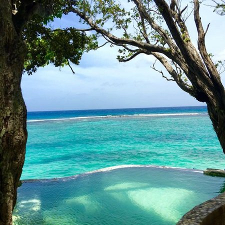 Jamaica Inn: Private plunge pool from one of the cottages