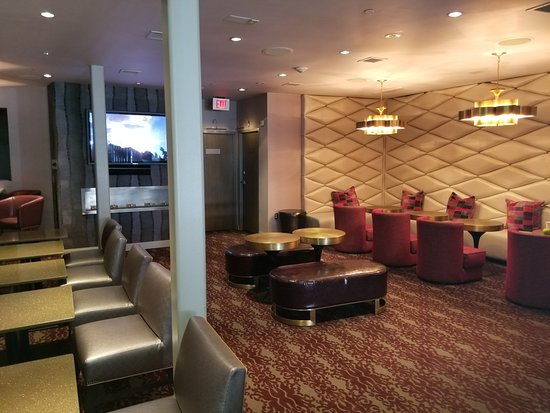 charlesmark hotel 199 3 0 0 updated 2018 prices. Black Bedroom Furniture Sets. Home Design Ideas