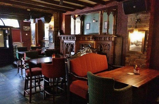 Бар ресторан Legends restaurant