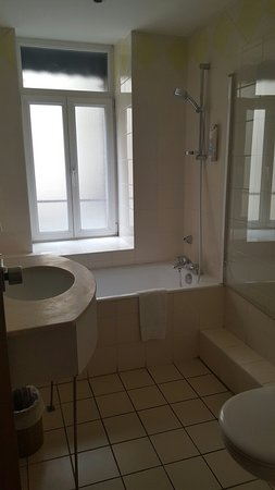 Hotel Nid de Cigognes: 20180523_155129_large.jpg