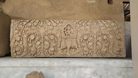 Phimai National Museum: Lintel, depicting Indra mounted on the devine elephant Airavata