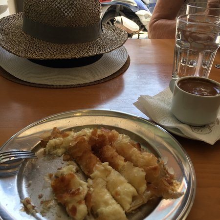 Bougatsa Chania: Cretan breaky! So yummy