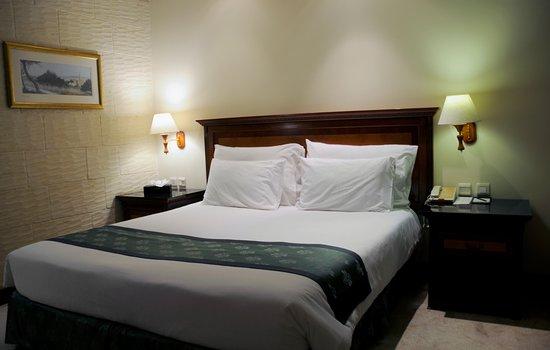 Grand Hotel Gozo: Stor säng