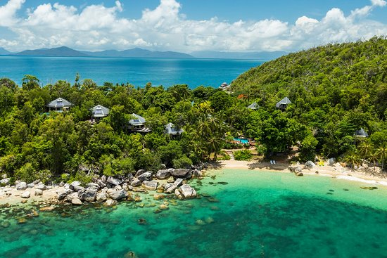 Villas hidden in the rainforest with amazing Coral Sea views
