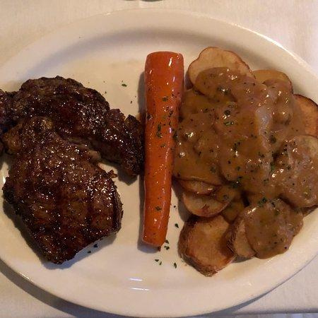 Bob's Steak & Chop House: photo3.jpg