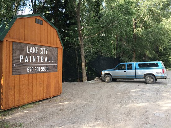 Lake City Paintball: parking