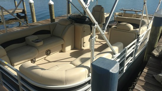 24 Luxury Pontoon Boat For Tours Picture Of Seagrass Pub And