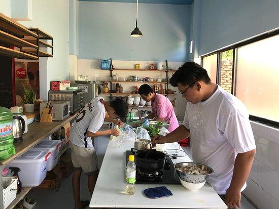 Packo Hostel Da Nang: Kitchen area