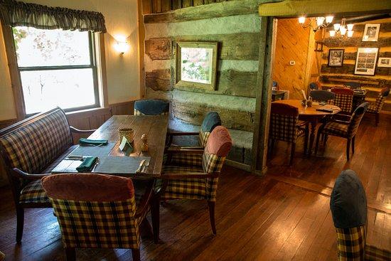 The Inn & Spa at Cedar Falls 사진