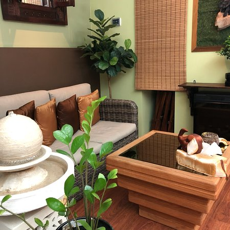traditinal thai massage room for couples fern room. Black Bedroom Furniture Sets. Home Design Ideas
