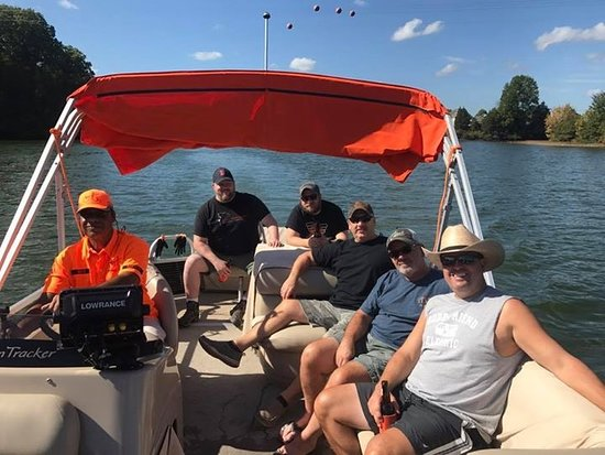 Mineral, VA: Excellent day on the Lake with Capt. John, family and friends.