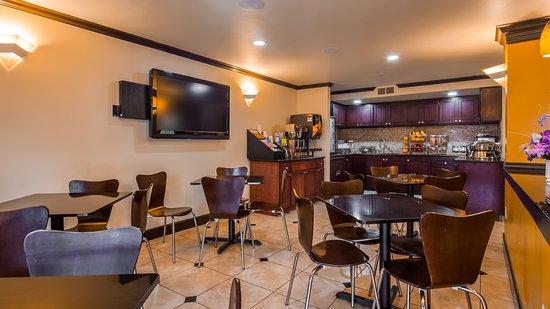 Interior - Picture of Best Western Orchard Inn, Ukiah - Tripadvisor