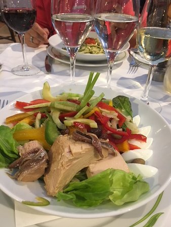 Brasserie du Cafe de Paris Monte-Carlo: Ensalada Nicoise