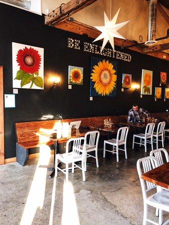 Ventnor City, NJ: Inside Enlightened Cafe