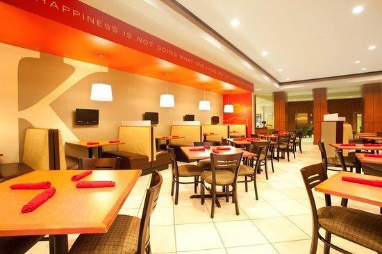 Aurora, IL: Restaurant