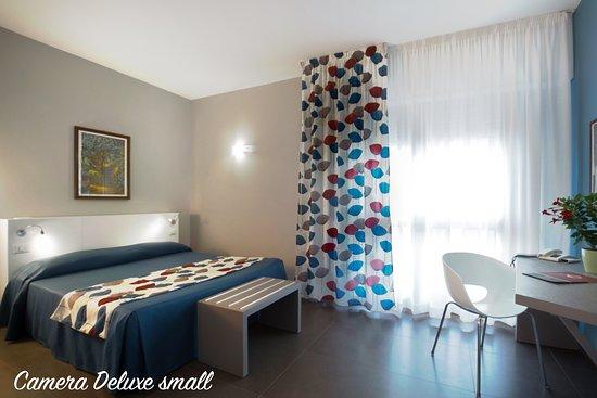 Camera da letto Deluxe small - Picture of Marbela Apartments ...