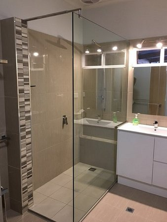 Old Charm Holiday Villas: New bathroom with walk in shower